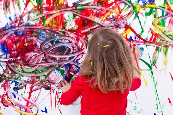 çocuğunuz Duvarları Değil Boyama Kitaplarını Renklendirsin
